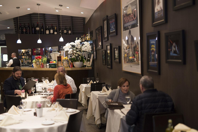 Piccolo Paradiso Vibrant Dining Room-906785309